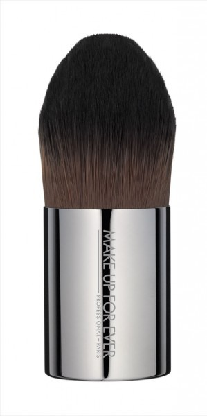 Foundation Kabuki Medium - #110